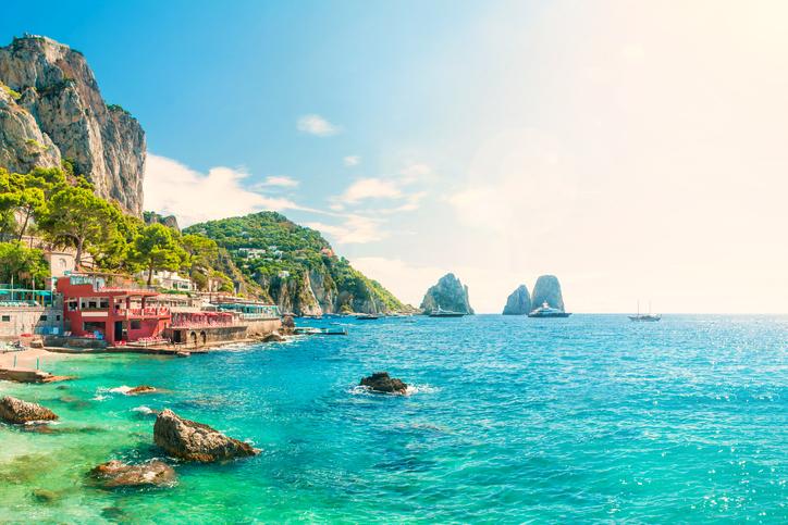capri tourists