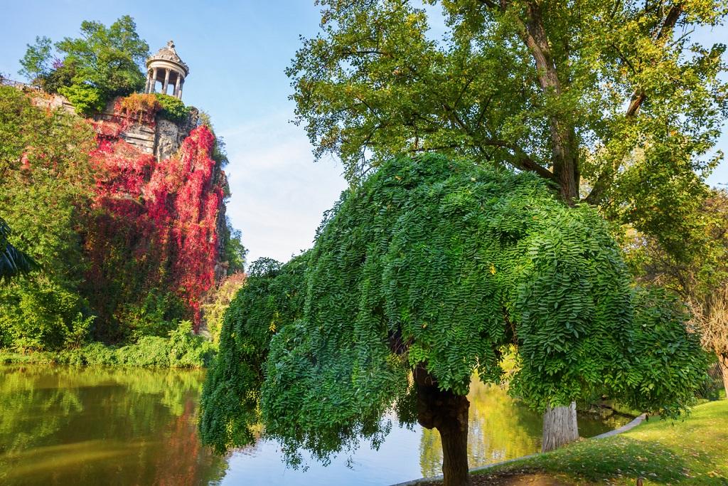 Parc des Buttes Chaumont in Paris, France