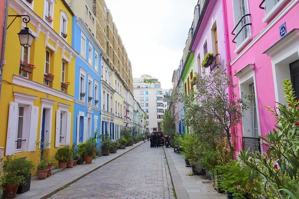 Colored houses in Rue Cremieux - Paris