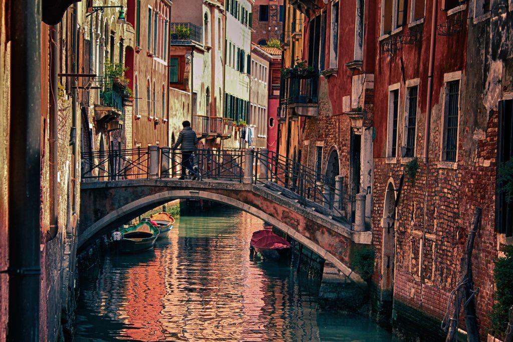 bridge in venice tourists in Venice