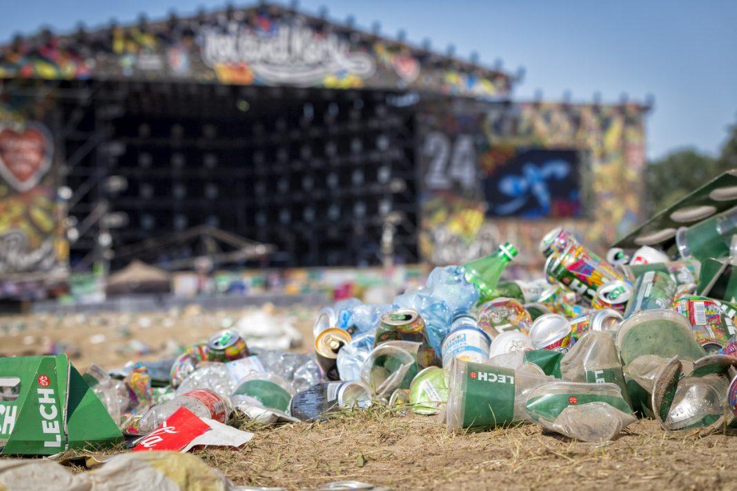plastic waste glastonbury 2019