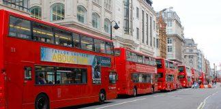 tourist buses in paris