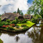 Visit The Dutch Village With No Roads: Giethoorn