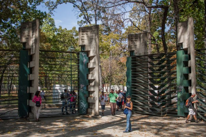 The Gates of Los Caobos Park; things to do in caracas venezuela