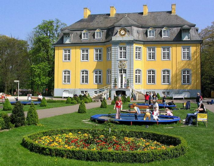 Schloss-Beck