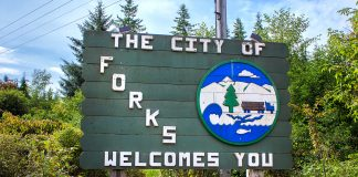 Welcome sign of Forks (Washington, USA) Bella Swan's House