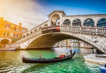 venice, tourists forced to leave Venice