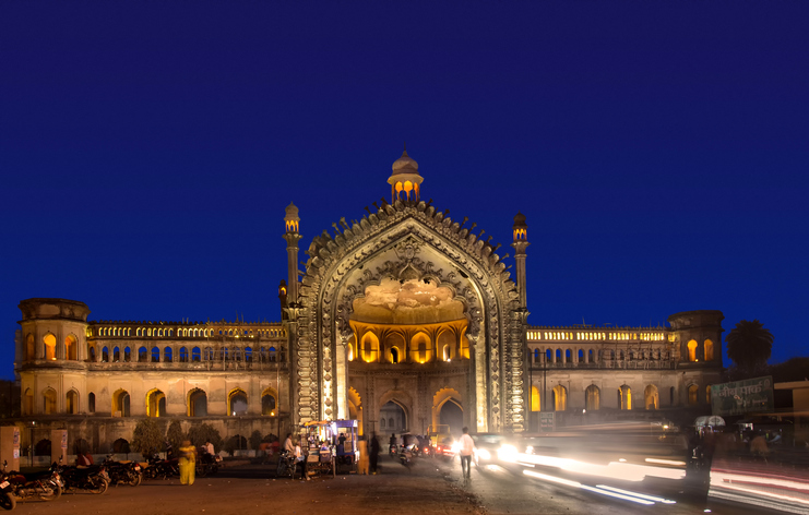 Rumi Darwaza, places to visit in Lucknow