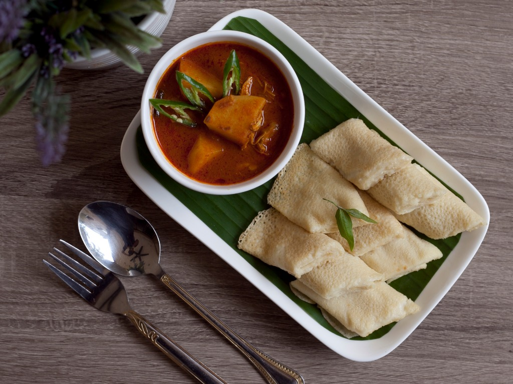 Lempeng with Curry Gravy