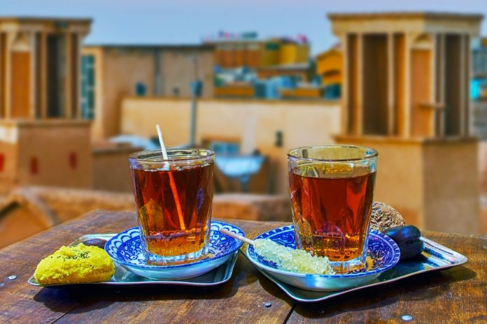 Tea-on-the-roof-Kashan-Iran