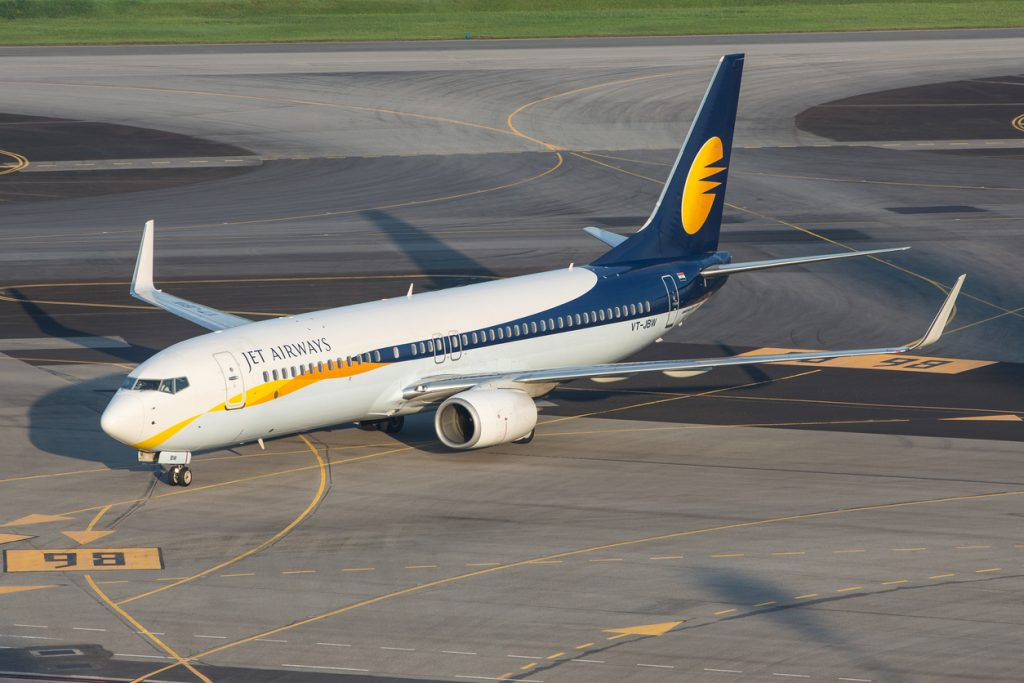 Jet Airways Boeing 737-800 at Singapore Changi Airport. Spicejet