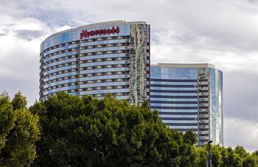 Hotels Vs Homestays