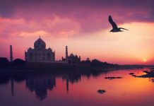 Taj Mahal and the Yamuna River, famous places to visit in Agra