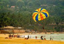 parasailing, one of the things to do in goa