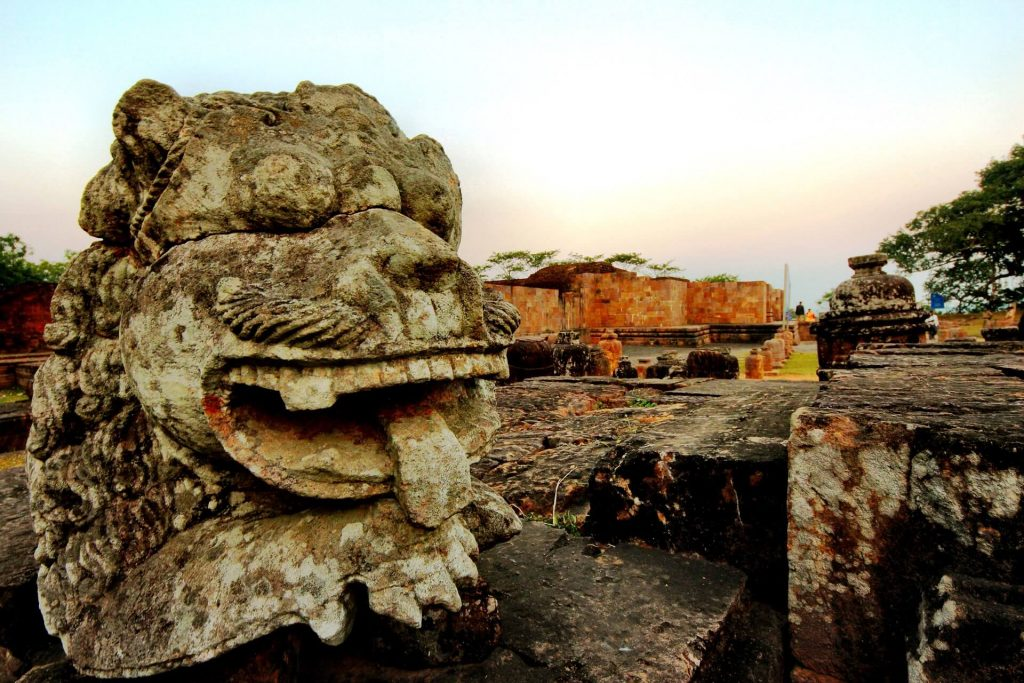 Symbolic lion head at the Buddhist site in Ratnagiri