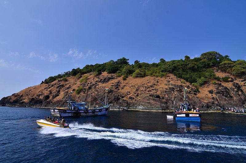 Netrani Island, Arabian sea, island near Karnataka India, island in india