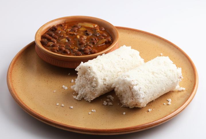 Popular breakfast in Kerala, Puttu and kadala (chickpeas curry)