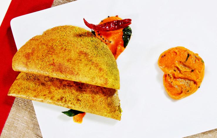 Pesarattu Dosa is a popular breakfast recipe of Andhra Pradesh