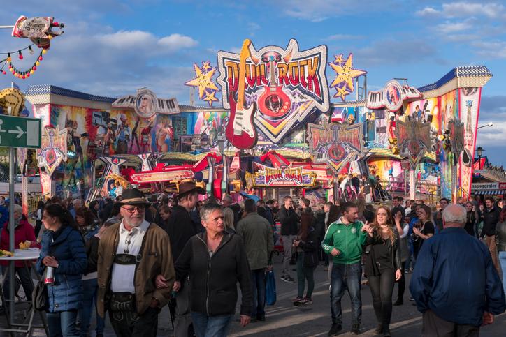 World's Largest Wine Festival: Wurstmarkt, Germany
