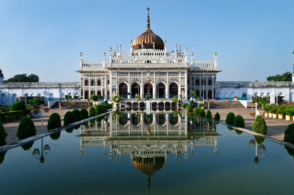 Bara Imambara, places to visit in Lucknow
