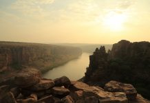 Serene view of River Penna during the Sunrise from the edge of stone gorge fort of Gandikota, Andhra Pradesh, India, the grand canyon of India