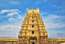 A beautiful temple present in Srirangapatna city of God Ranganath Swamy. It shows the architectural beauty of the temple