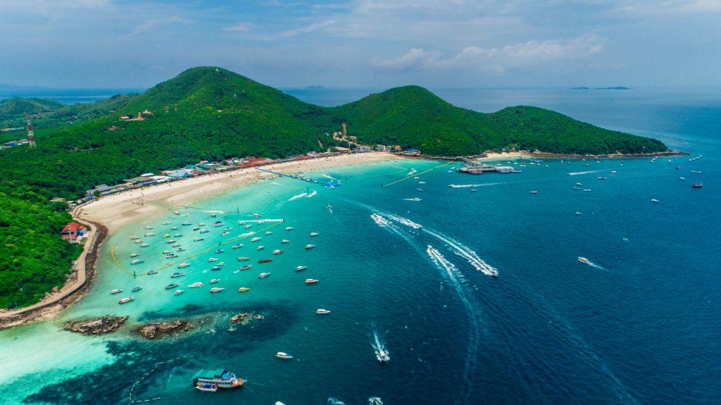 Koh Larn island's beaches in Pattaya