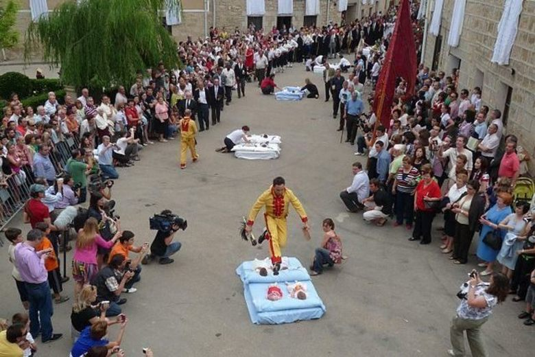 The unusual tradition of baby jumping festival in Spain