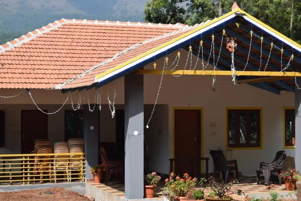 Eastern Giri Homestay