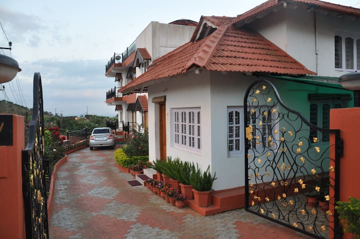 Hill Valley, budget stay in Madikeri