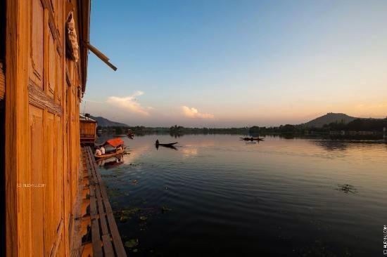 Houseboats In India